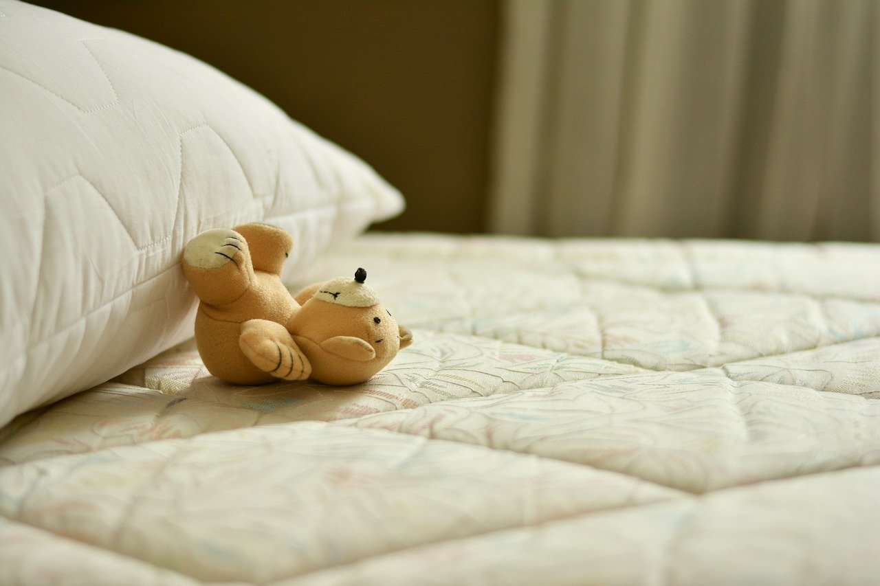 Soft bed or hard bed for back pain?